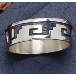 Ring Wave Ornamentik