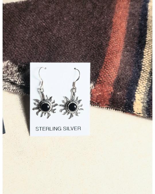 Sonnensymbole als Ohrringe- mit schwarzem Onyx